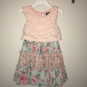 Girls Dressy dress W/Lace & Ruffle detail.